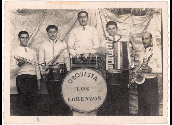 Orquestra Los Lorenzo. / Foto Ramiro [1949-1950] / PROCEDENCIA: Recollida O Porriño. Album familiar Pablo Lorenzo González