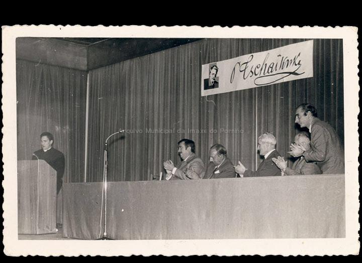Conferencia sobre Chaikovski no Círculo Recreativo Cultural. / Foto Magno [1964-1970 (?)] / PROCEDENCIA: Recollida O Porriño. Álbum familiar de Antonio I. Paz Valverde