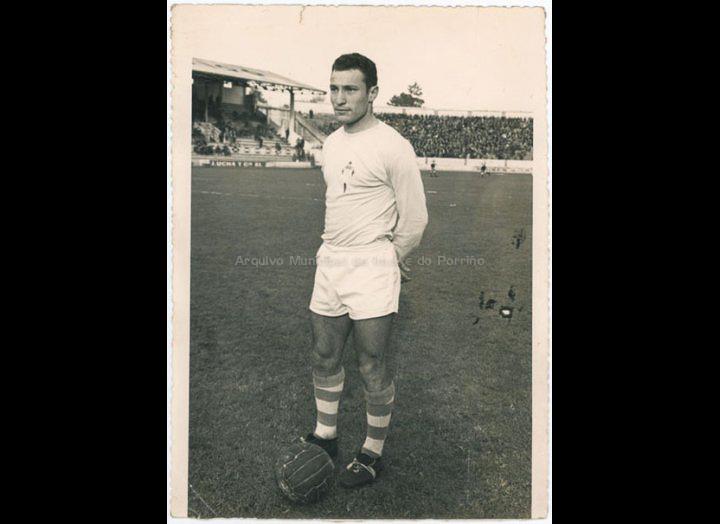 Pintos, xogador porriñés no Celta de Vigo / Foto Gobar [1965 – 1975 (?)] / PROCEDENCIA: Recollida O Porriño. Album familiar José Ángel Vilariño Iglesias