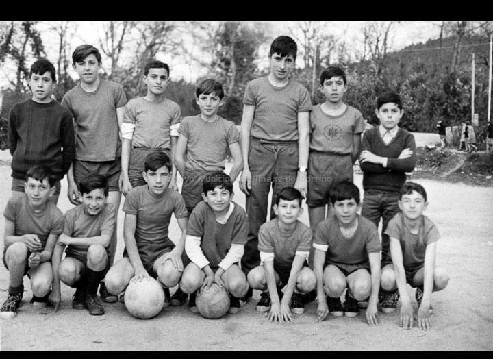 """Equipo de fútbol infantil do Instituto do Porriño. / Autor descoñecido [1966-1970] / PROCEDENCIA: Arquivo I.E.S. """"Pino Manso"""""""