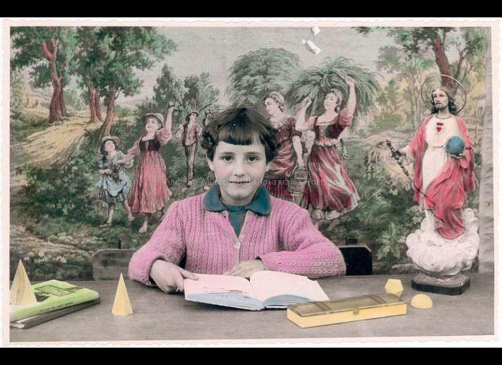 Mª Carmen Fernández Pexegueiro na escola / Autor descoñecido [1957-1960] / PROCEDENCIA: Recollida O Porriño. Album familiar Jesús Fdez. Castro e Carmen Pexegueiro
