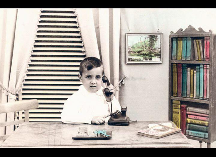 Antonio Fernández Pexegueiro na escola / Autor descoñecido [1960 – 1970 (?)] / PROCEDENCIA: Recollida O Porriño. Album familiar Jesús Fdez. Castro e Carmen Pexegueiro
