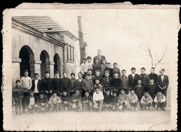 Grupo de alumnos da escola de nenos de Chenlo. / Autor descoñecido [Ca. 1966] / PROCEDENCIA: Recollida Chenlo. Álbum familiar de Álvaro Castro Iglesias
