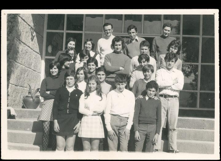"""Grupo de alumnas e alumnos do """"Colexio Casales"""". / Consuelo Bermejo (?) [1968-1973 (?)] / PROCEDENCIA: Cedida por Consuelo Bermejo Prada"""