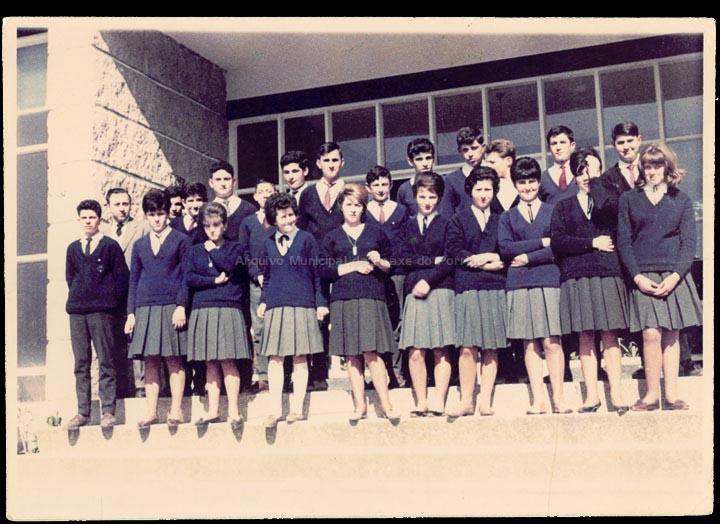 """Colexio """"Casales"""" de Jesús Casales Arias. / Autor descoñecido. Jesús Casales (?) [1963-1965 (?)] / PROCEDENCIA: Cedida por Consuelo Bermejo Prada"""