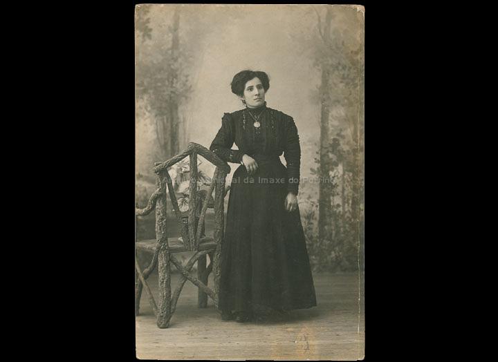 Eugenia Tovar Andrade, mestra do Porriño. / Autor descoñecido [1905-1920] / PROCEDENCIA: Cedida por Mª Eugenia Vicente Ramilo