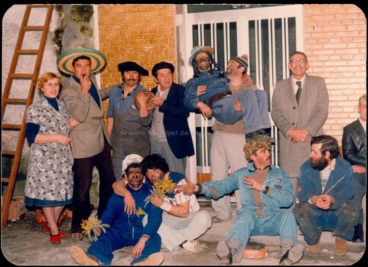 Participantes do Xogo da Ola. / Autor descoñecido [1975-1985 (?)] / PROCEDENCIA: Recollida O Porriño. Álbum familiar de Carmen Domínguez Estévez