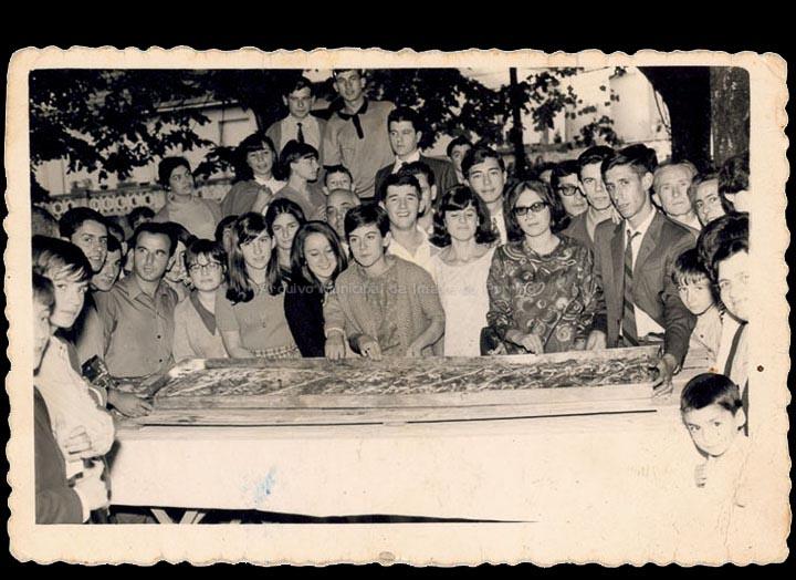 Festa da empanada nas Festas do Cristo. / Foto Magno [01/10/1967] / PROCEDENCIA: Recollida O Porriño. Álbum familar de Fátima Pereira Pérez