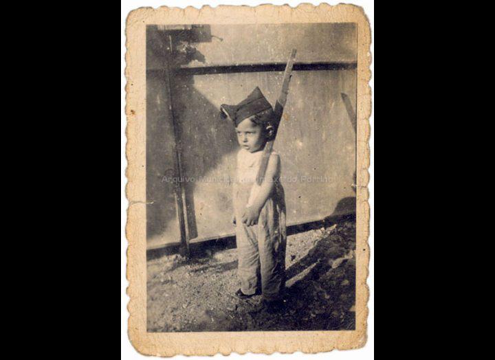 Neno de dous anos días antes da sublevación fascista do 1936 . / Autor descoñecido [05-07-1936] / PROCEDENCIA: Recollida O Porriño. Album familiar de Fátima Pereira Pérez