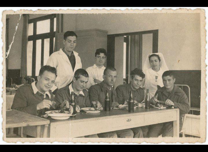 José Domínguez Domínguez no Hospital Militar da Coruña durante a Guerra Civil. / Foto Luís Artús (A Coruña) [1937] / PROCEDENCIA: Recollida Chenlo. Album familiar de José Luis Santana Boullosa