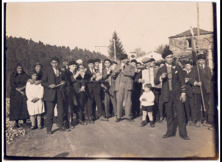 Rondalla de Reis. / José Moreira [1910 – 1950] / PROCEDENCIA: Arquivo Moreira