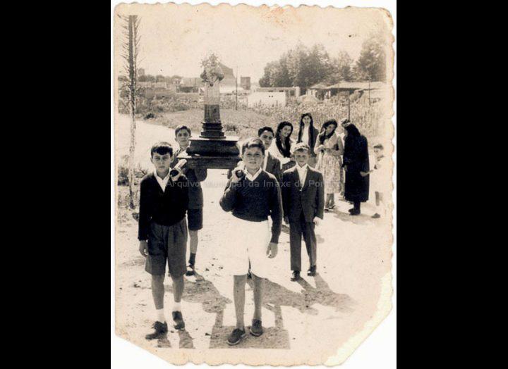 Procesión da festa das Angustias. / Foto Ramiro [1956] / PROCEDENCIA: Recollida O Porriño. Album familiar de Ramón Iglesias Pereiro