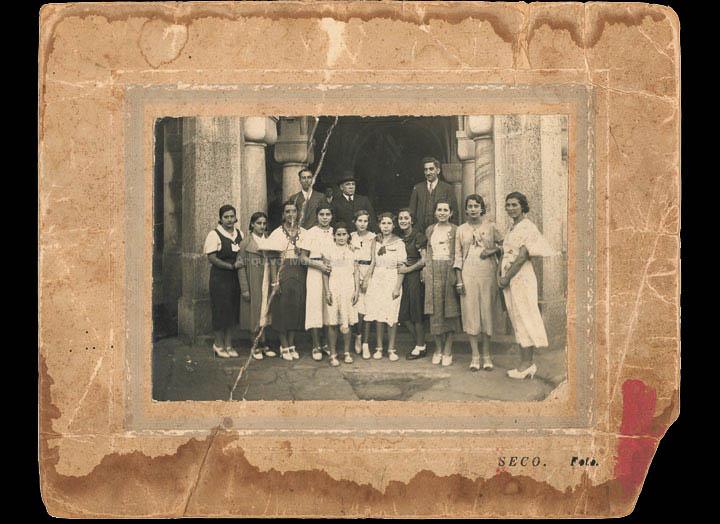 Comisión da Festa da Flor celebrada durante as Festas do Cristo de 1935. / Foto Seco [22/09/1935] / PROCEDENCIA: Recollida O Porriño Álbum familiar de Esther Saavedra Escudero