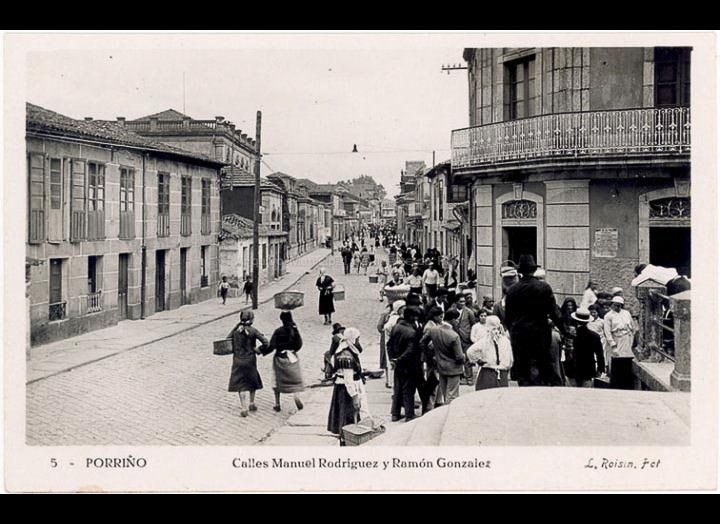 Rúa Manuel Rodríguez. Tarxeta postal. / L. Roisin [1929 – 1930 (?)] / PROCEDENCIA: Recollida O Porriño. Album familiar de Josefa Sío Casales
