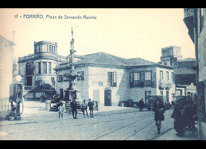 Praza do Cristo. Tarxeta Postal. / Fototipia Thomas (Barcelona) [1928-1929 (?)] / PROCEDENCIA: Recollida O Porriño. Album familiar de Victoria E. Troncoso Rodríguez
