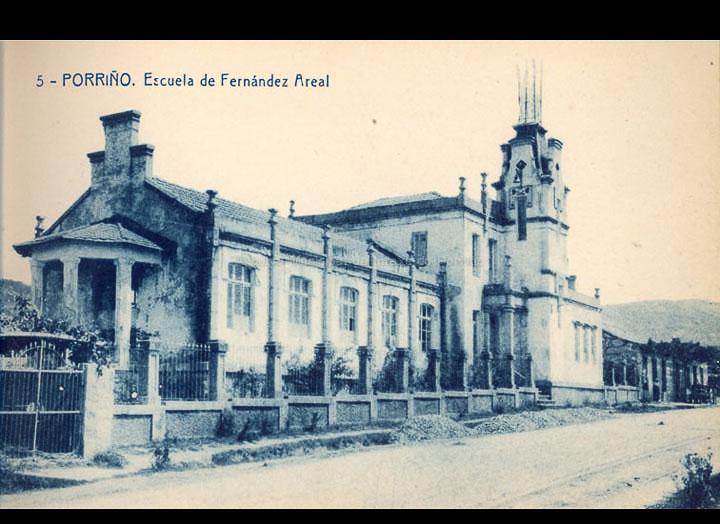 O Porriño. Escola Fernández Areal. Tarxeta Postal. / Fototipia Thomas (Barcelona) [1928-1929 (?)] / PROCEDENCIA: Recollida O Porriño. Album familiar de Victoria E. Troncoso Rodríguez
