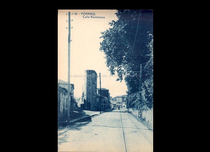 O Porriño. Rúa Ramiráns. Tarxeta Postal. / Fototipia Thomas (Barcelona) [1928-1929 (?)] / PROCEDENCIA: Recollida O Porriño. Album familiar de Victoria E. Troncoso Rodríguez