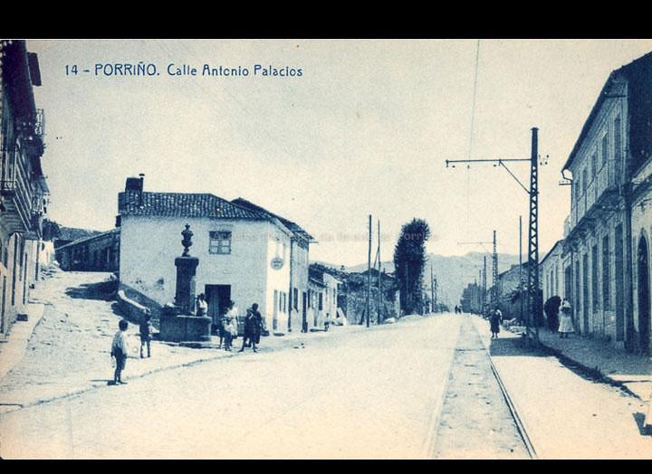 O Porriño. Rúa Antonio Palacios. Tarxeta postal. / Fototipia Thomas (Barcelona) [1928-1929 (?)] / PROCEDENCIA: Recollida O Porriño. Album familiar de Victoria E. Troncoso Rodríguez
