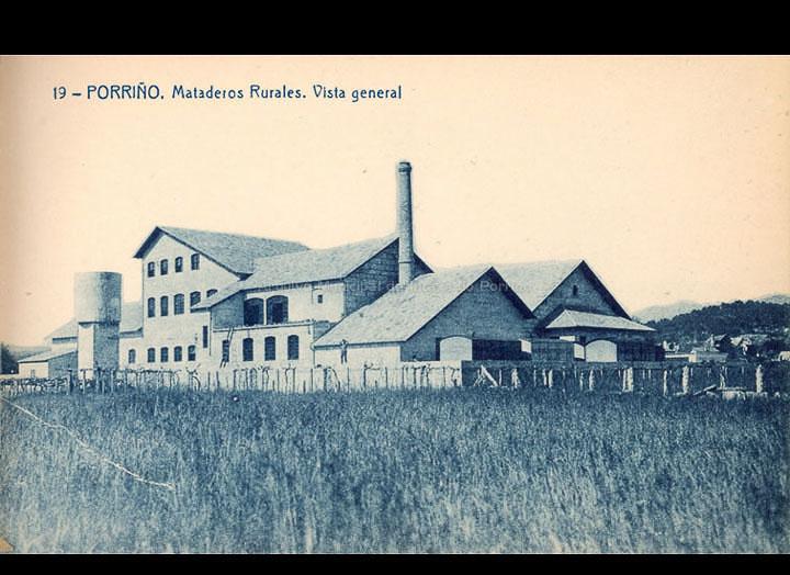 O Porriño. Matadoiro MA. RU. CO. GA. do Porriño. Tarxeta postal. / Fototipia Thomas (Barcelona) [1928-1929 (?)] / PROCEDENCIA: Recollida O Porriño. Album familiar de Victoria E. Troncoso Rodríguez