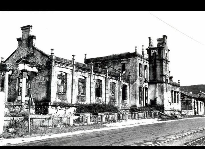Escola Fernández Areal en estado de abandono. / Foto Magno [1960 – 1970] / PROCEDENCIA: Arquivo Magno