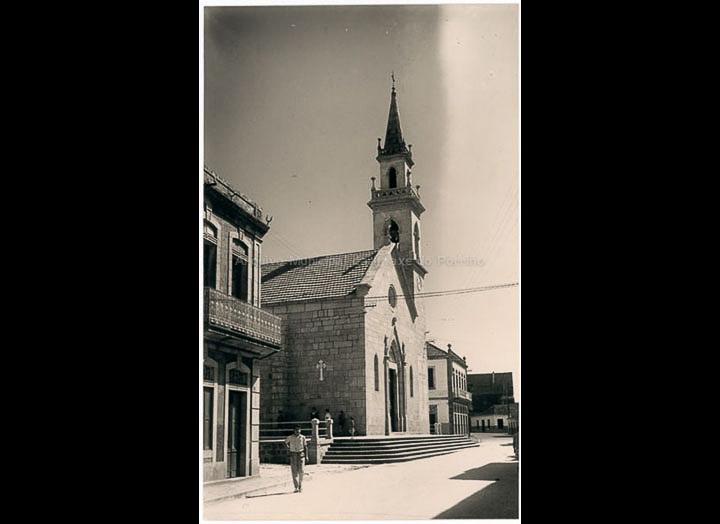 Igrexa parroquial de Santa María do Porriño. Tarxeta postal. / Foto Alarde [Librería Paz] [1960 – 1970 (?)] / PROCEDENCIA: Colección Postais Arquivo Municipal da Imaxe