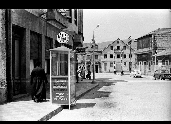 Rúa Peña e Paso a Nivel. / Foto Magno [1955 – 1970 (?)] / PROCEDENCIA: Arquivo Magno