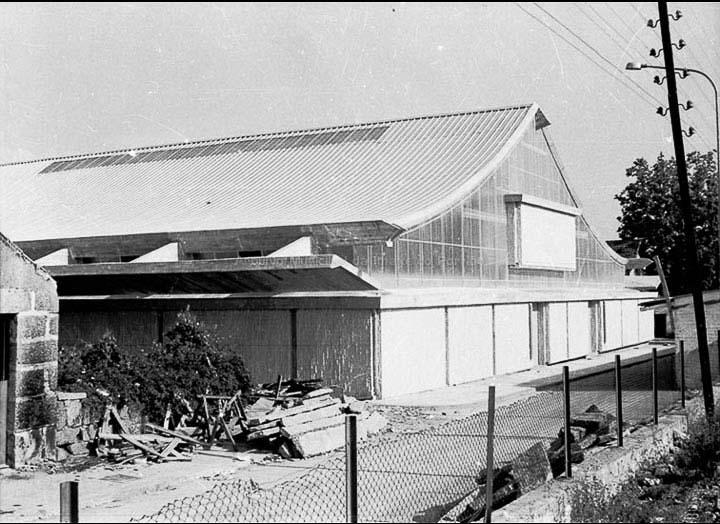 Obras do edificio da Praza de Abastos proxectado polo arquitecto José Bar Bóo e finalizado en 1974. / Foto Magno [Ca. 1974] / PROCEDENCIA: Arquivo Magno