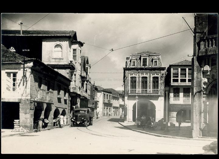 Praza do Arquitecto Palacios e rúa Ramón González. Tarxeta postal. / Foto Alarde [1950-1970 (?)]