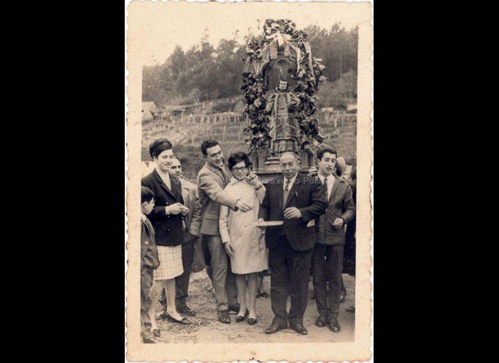 Procesión de San Estevo de Cans. / Foto Magno [1964 – 1965] / PROCEDENCIA: Recollida Cans. Album familiar de Carmen Quintas Pérez