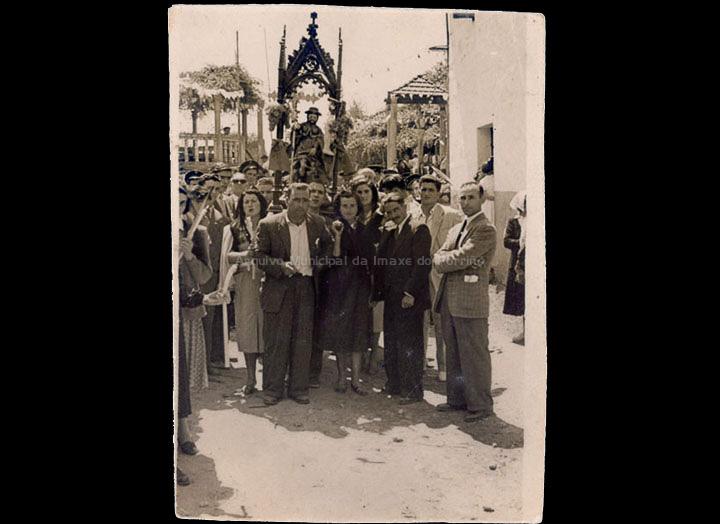 Procesión de San Roque de Torneiros. /  Autor descoñecido [16/08/1953] / PROCEDENCIA: Recollida O Porriño. Album familiar de Ramón Iglesias Pereiro