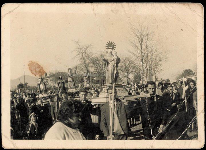 Procesión de San Brais de Budiño. / Foto Balbino [Ca. 1960] / PROCEDENCIA: Recollida Budiño. Album familiar de Celso Martínez González