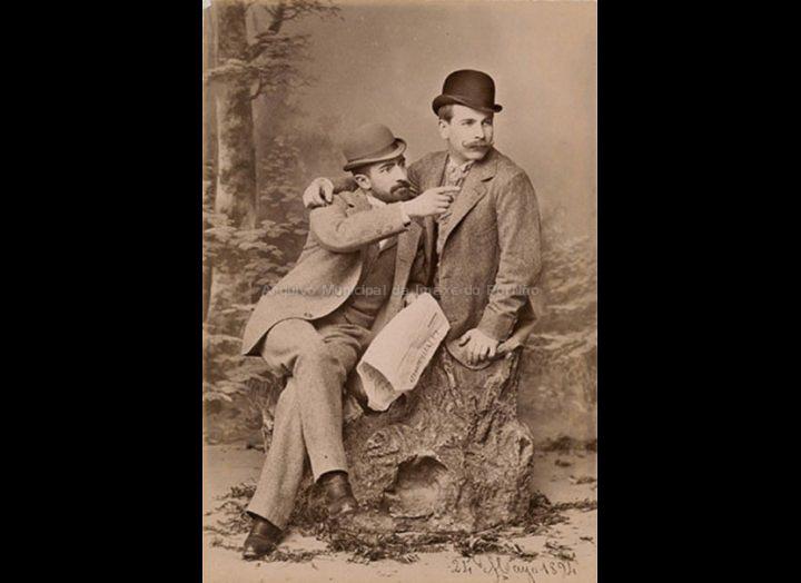 O fotógrafo Rosendo Bugarín (dereita) e o seu curmá Telmo Bugarín. / Autor descoñecido (P. Varela ? – Rosendo Bugarín ?) [24-05-1894] / PROCEDENCIA: Fondo Arturo Veloso Bugarín