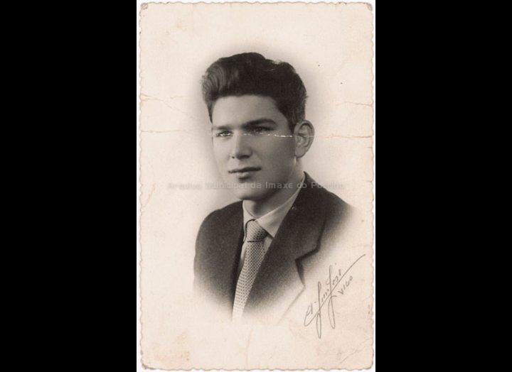 Demetrio Rodríguez Crespo. / A. San José (Vigo) [1955 – 1960] / PROCEDENCIA: Recollida O Porriño. Album familiar de Josefa Sío Casales