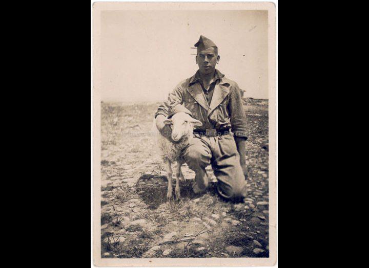 Salvador Sío Ortúzar no servizo militar. / Autor descoñecido [1934] / PROCEDENCIA: Recollida O Porriño. Album familiar de Josefa Sío Casales