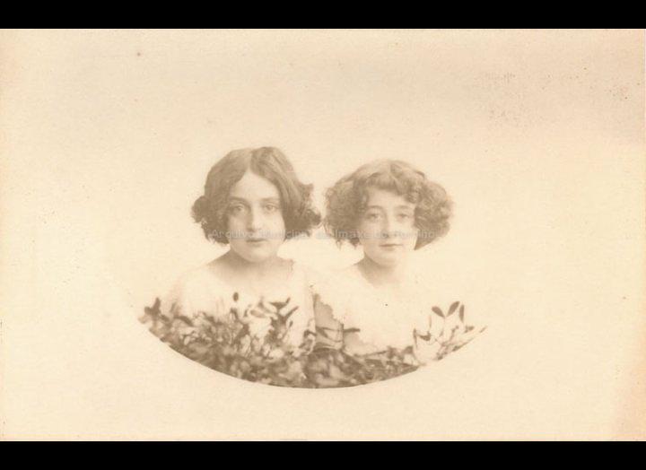 Retrato de dúas nenas. / José Moreira [Primeiras décadas século XX] / PROCEDENCIA: Arquivo Moreira