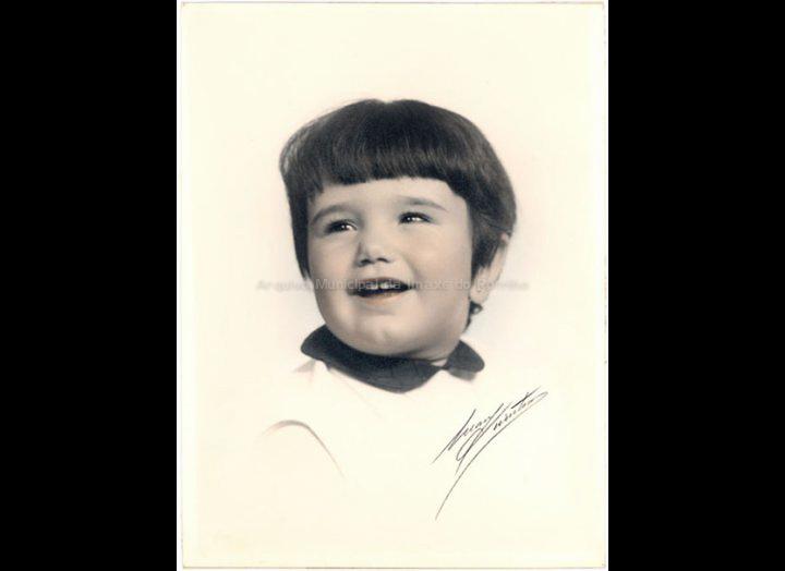 Josefina Rodríguez Sío nun retrato de Mary Quintero. / Mary Quintero [1966 - 1968] / PROCEDENCIA: Recollida O Porriño. Album familiar de Josefa Sío Casales