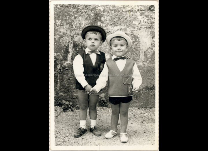 Manuel Ferreira e Demetrio Otero. / Foto Ramiro [1963 - 1965] / PROCEDENCIA: Recollida Torneiros. Album familiar de Demetrio Otero Lorenzo