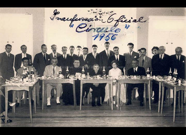 Inauguración do Círculo Recreativo Cultural. / Foto Ramiro [08 – 07 – 1956] / PROCEDENCIA: Recollida O Porriño. Album familiar de Mª Consuelo Bermejo Prada