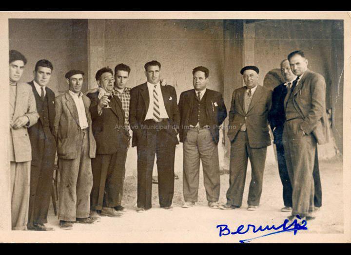 Propietarios e empregados da fábrica Cerámicas M.A.S. do Cerquido. / Agustín Bermejo [Posterior a 1942] / PROCEDENCIA: Arquivo Bermejo