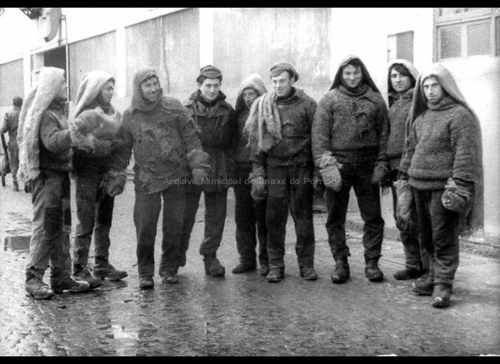 Traballadores de Budiño en Pescanova. / Autor descoñecido [1960 – 1970 (?)] / PROCEDENCIA: Libro Crónica Gráfica de Budiño. Recollida Budiño