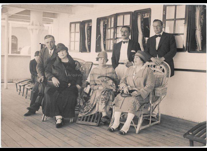 Emigrantes a bordo dun trasatlántico na viaxe de retorno de Bos Aires a Galicia. / Autor descoñecido [1928 – 1929] / PROCEDENCIA: Recollida O Porriño. Album familiar de Arturo Veloso Bugarín