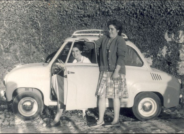 Amigas na festa de San Xosé de Carracido. / Autor descoñecido [1959] / PROCEDENCIA: Recollida Pontellas. Album familiar de Mª Carmen Silva