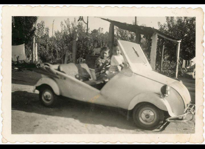 O Biscuter de Manuel Ucha. / Autor descoñecido [Ca. 1954] / PROCEDENCIA: Recollida Budiño. Album familiar de Enrique Ucha Lorenzo