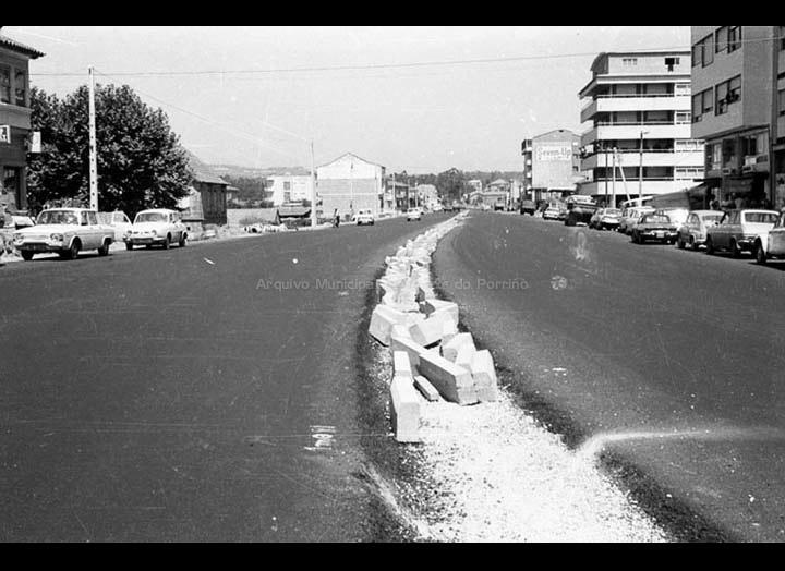 Obras de ensanchamento da Avenida de Galicia. / Foto Magno [1965 – 1975 (?)] / PROCEDENCIA: Arquivo Magno